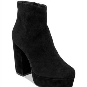 Grafity black suede boots